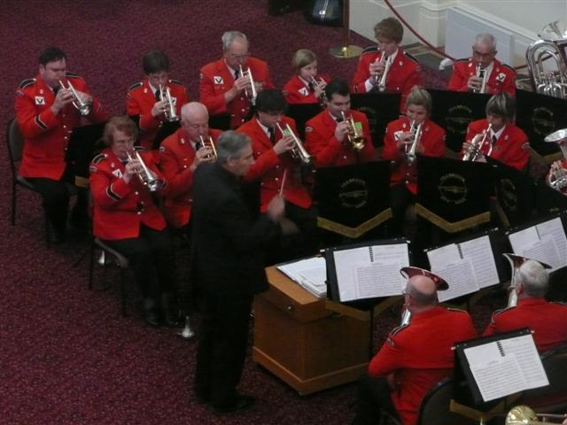 kevin-morgan-conducting-the-frankston-city-band-queens-hall